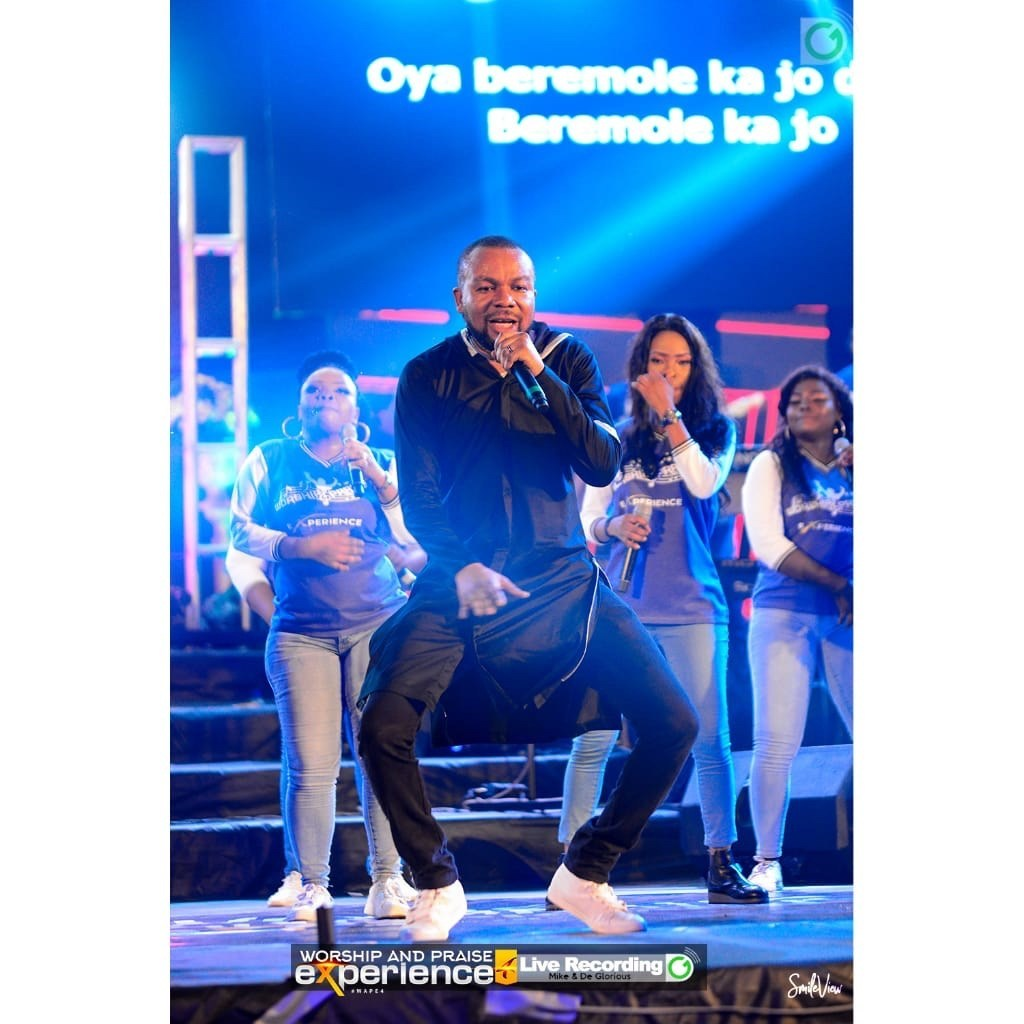 Photos from the Worship & Praise Experience 4 hosted by Michael Obasuyi